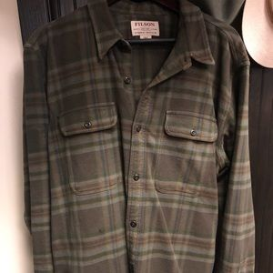 Filson cotton over shirt. Size XL.